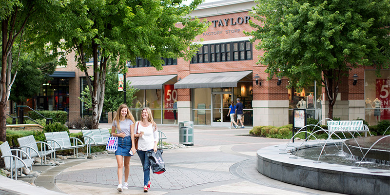 About Polo Ralph Lauren Factory Store - Legends Outlets Kansas City Shop Polo Ralph Lauren Factory Stores for exceptional values on Polo Ralph Lauren apparel and accessories for men and women, as well as children's wear and home vanduload.tkon: Village West Parkway Space O, Kansas City, , KS.