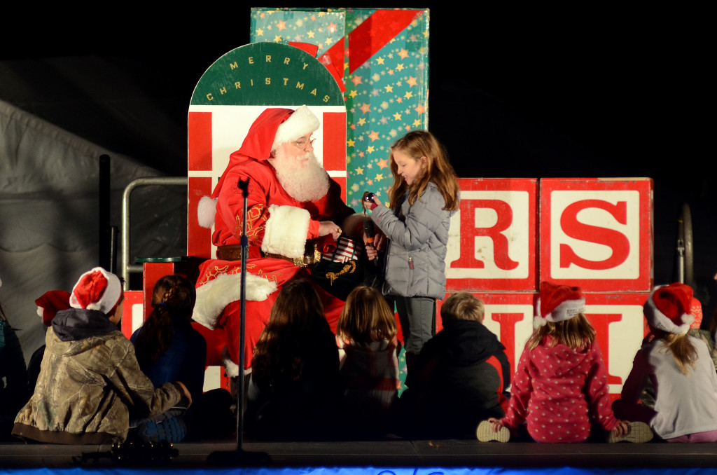 Christmas In The Sky 2019 Longview Lake Christmas In The Sky | Visit KC
