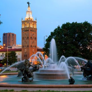 kansas city country club plaza fountain